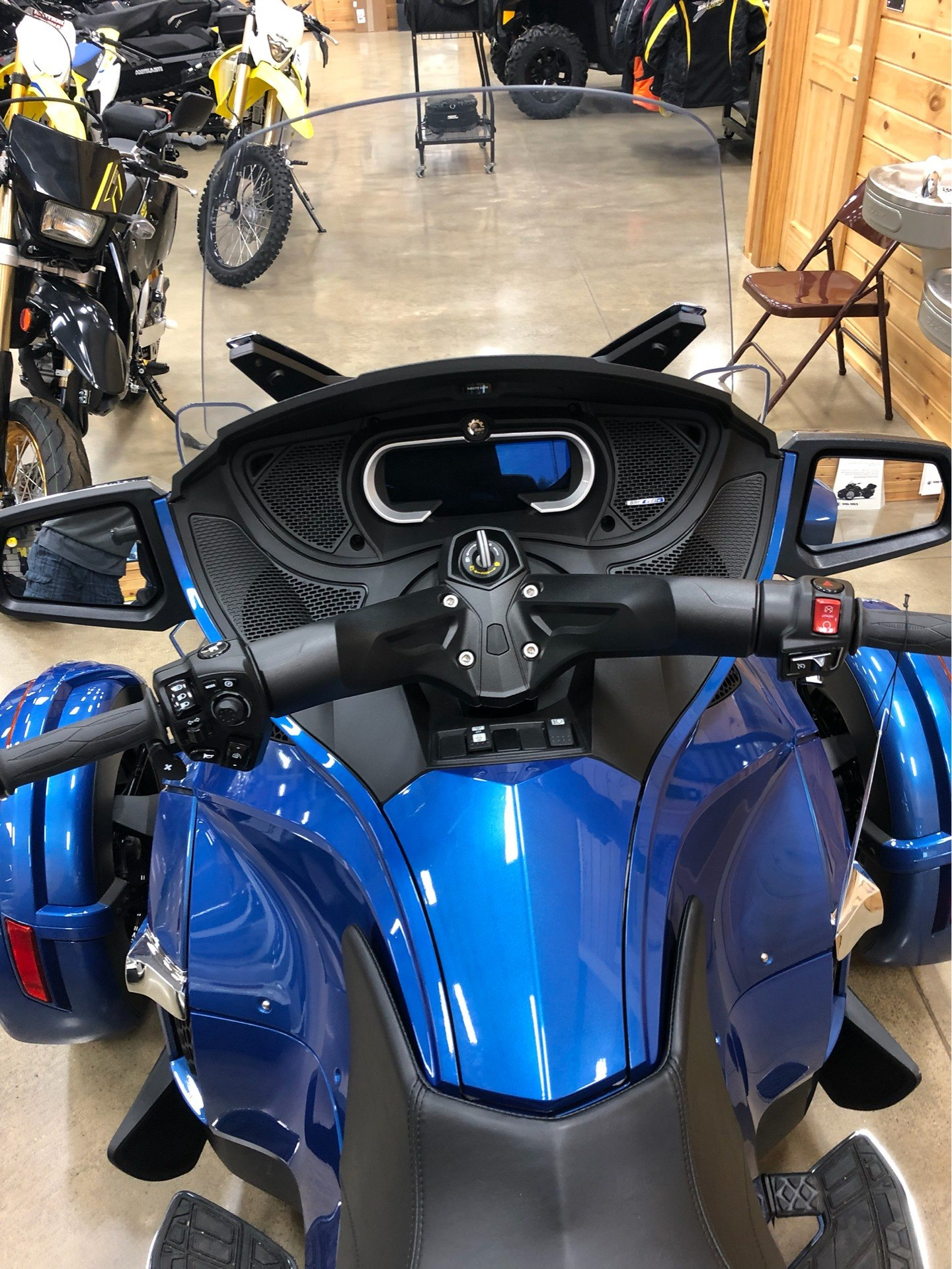2018 Can-Am Spyder RT Limited in Montrose, Pennsylvania - Photo 6