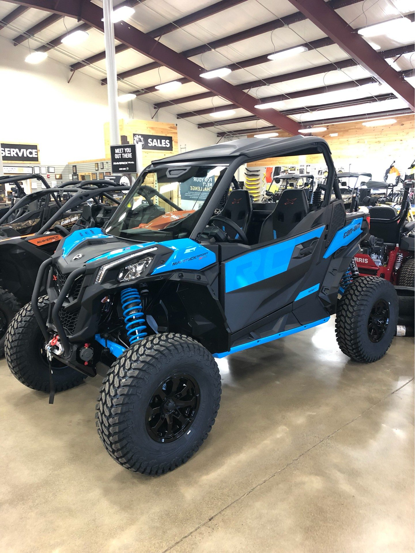 2019 Can-Am Maverick Sport X RC 1000R in Montrose, Pennsylvania - Photo 2