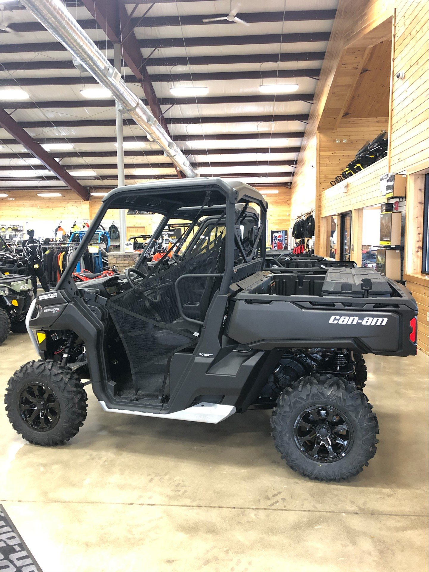 2020 Can-Am Defender XT-P HD10 in Montrose, Pennsylvania - Photo 6