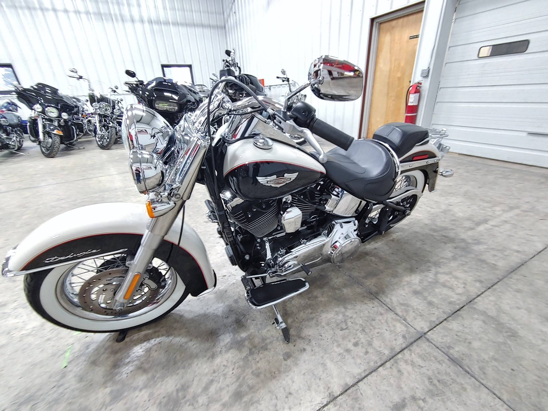 2011 Harley-Davidson Softail® Deluxe in Sandusky, Ohio - Photo 5