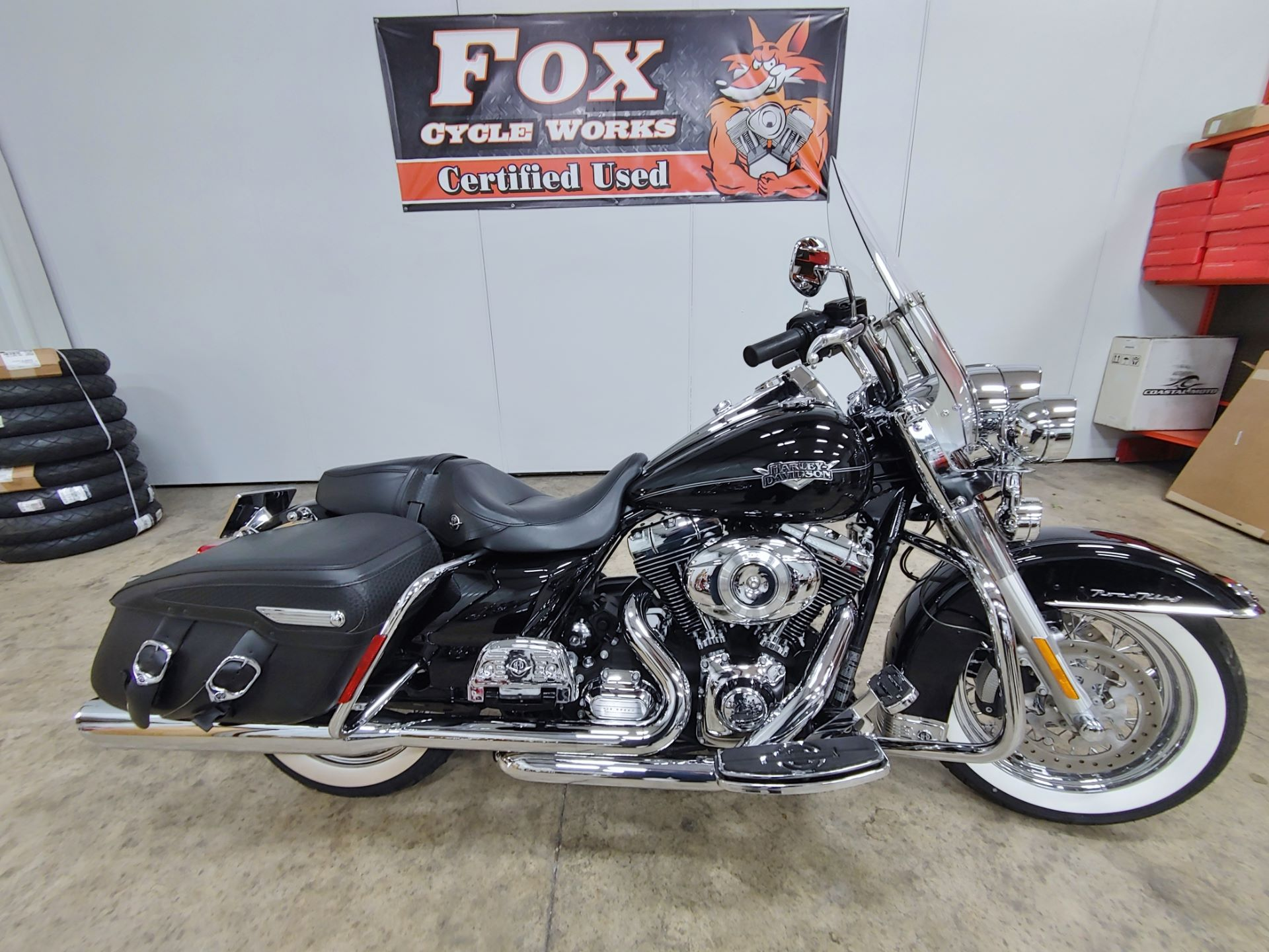 2011 Harley-Davidson Road King® Classic in Sandusky, Ohio - Photo 1