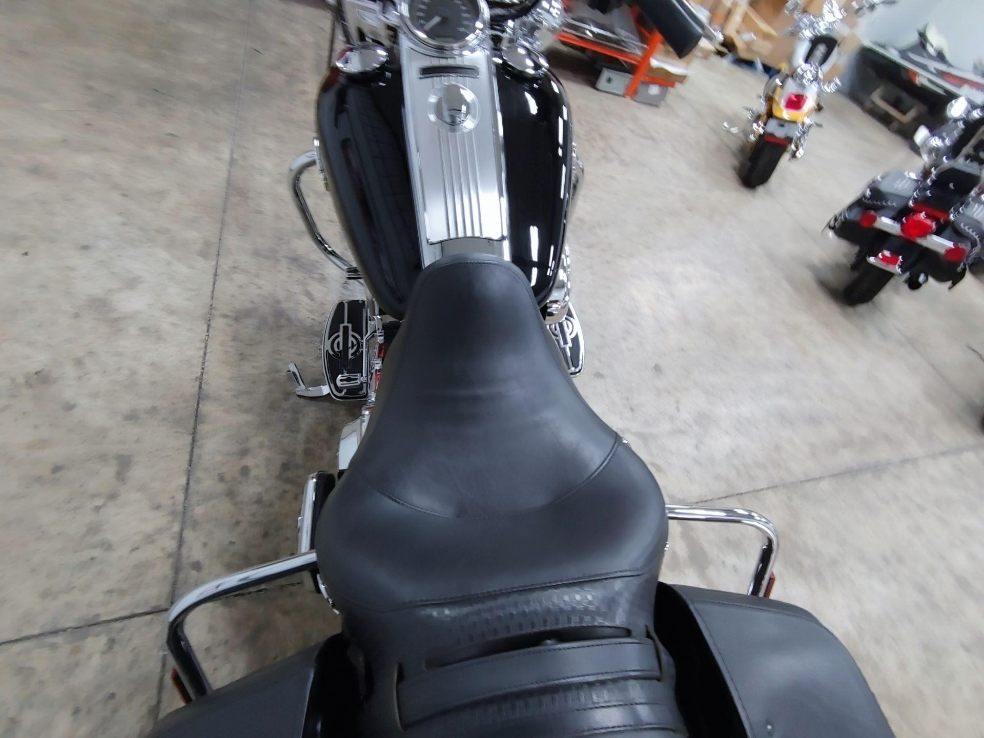 2011 Harley-Davidson Road King® Classic in Sandusky, Ohio - Photo 12
