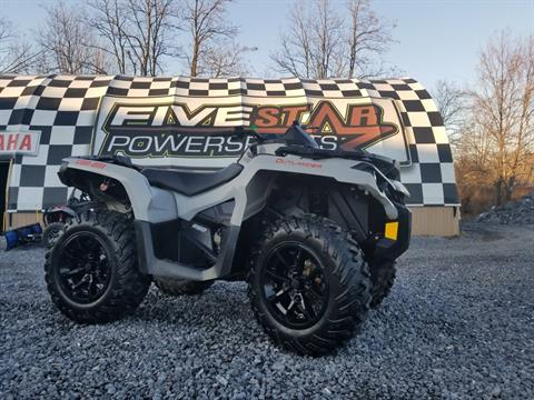 2017 Can-Am Outlander DPS 650 in Duncansville, Pennsylvania