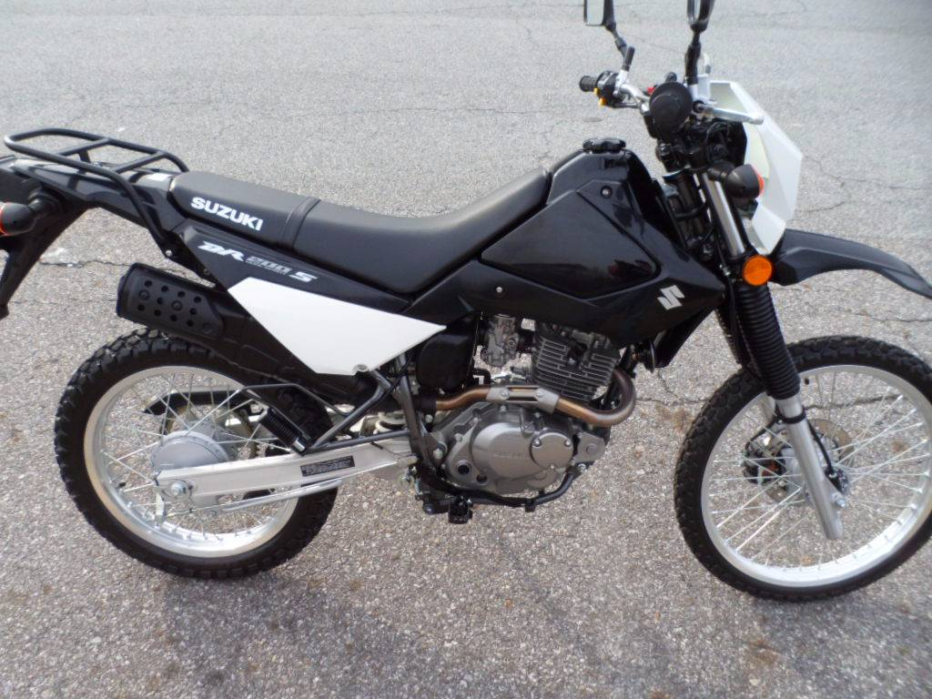 2015 Suzuki DR200S in Wilkesboro, North Carolina