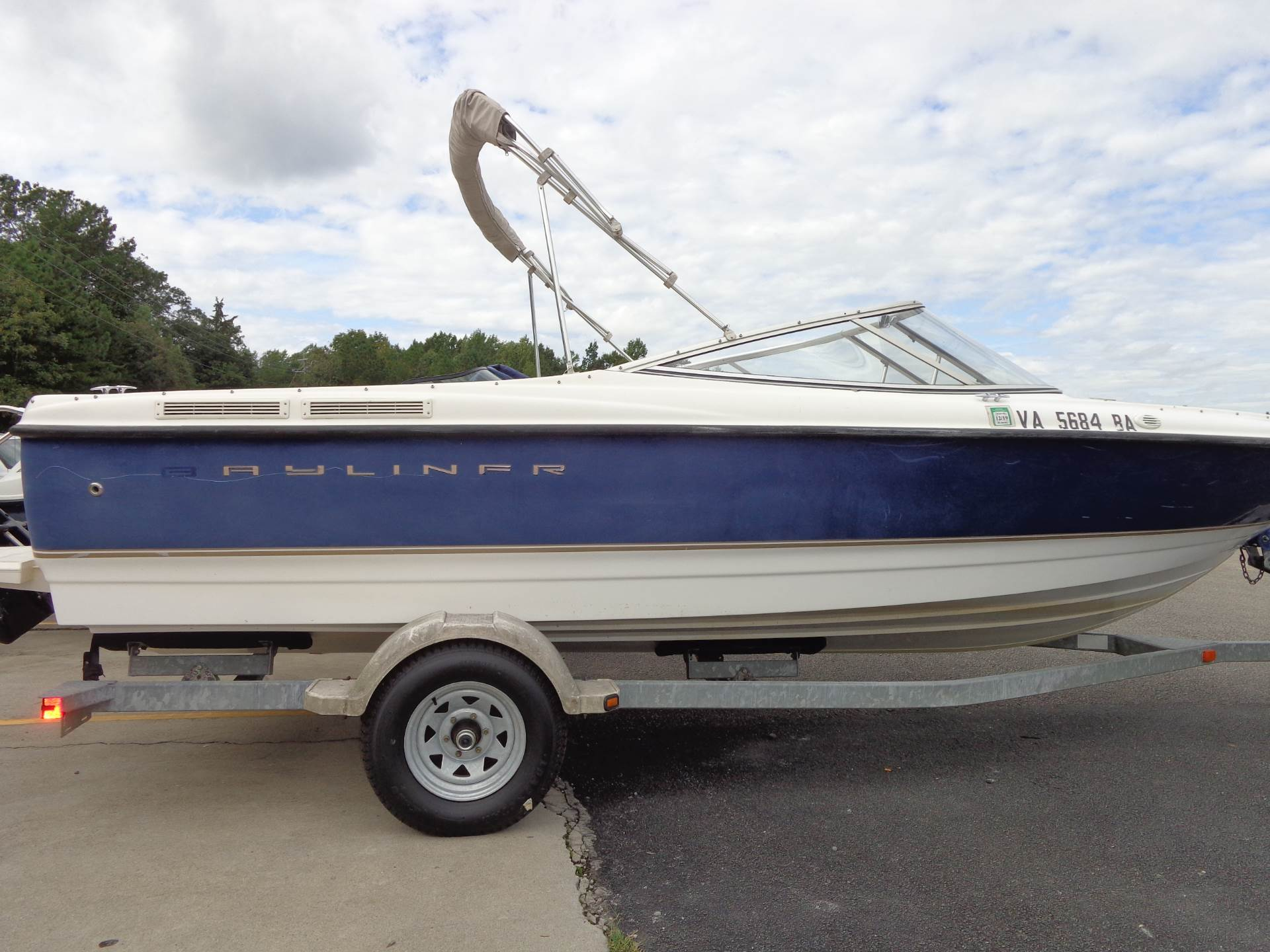 2003 Bayliner 2150 Classic in Mineral, Virginia