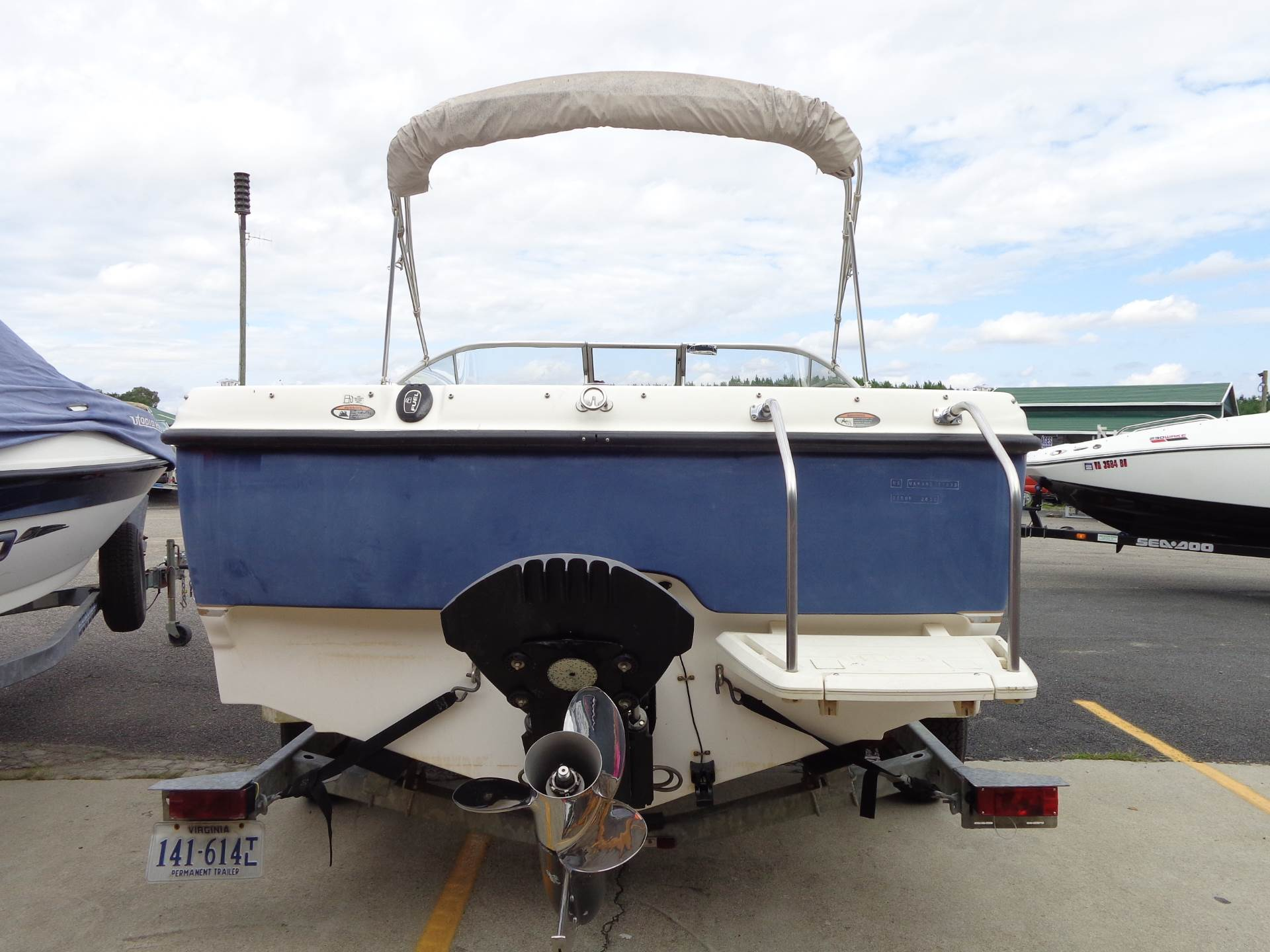 2003 Bayliner 2150 Classic in Mineral, Virginia - Photo 4