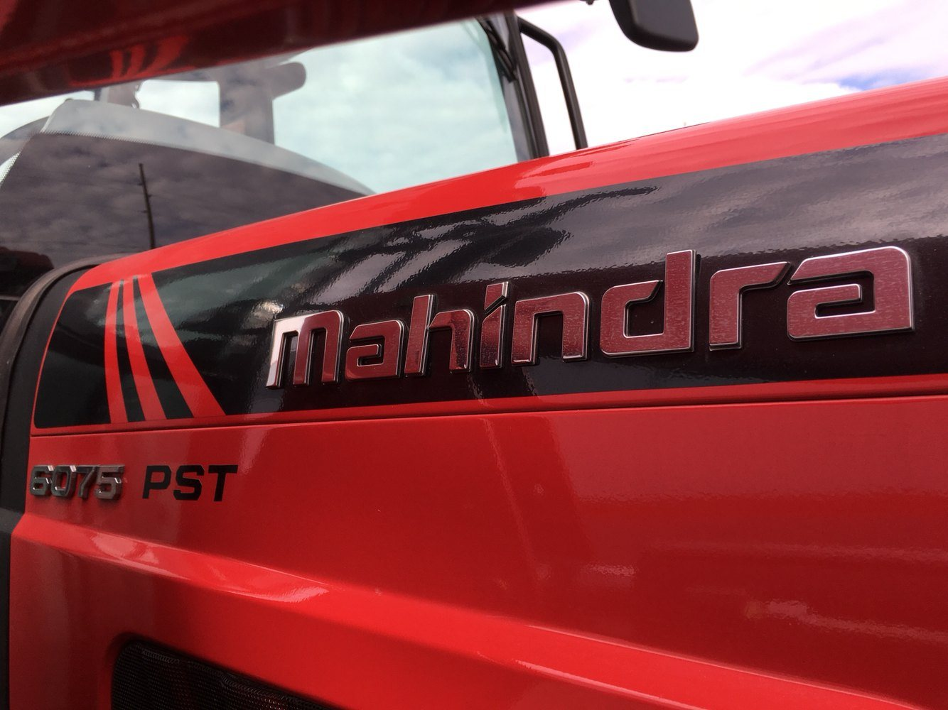 2019 Mahindra 6075 Power Shuttle Cab in Evansville, Indiana - Photo 14