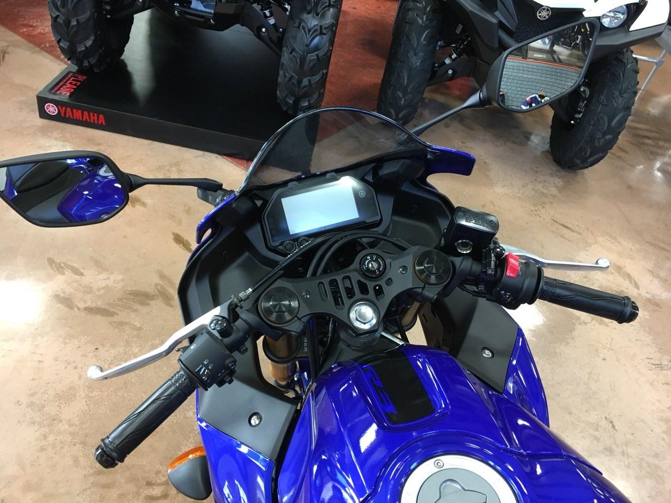 2019 Yamaha YZF-R3 11