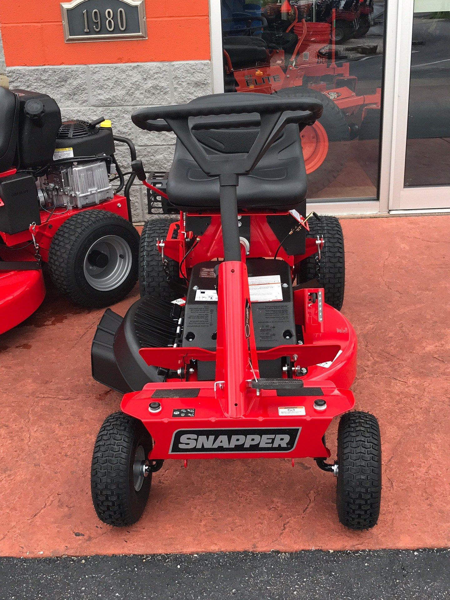 2019 Snapper Classic Rear Engine Riding Lawn Mower in Evansville, Indiana - Photo 1