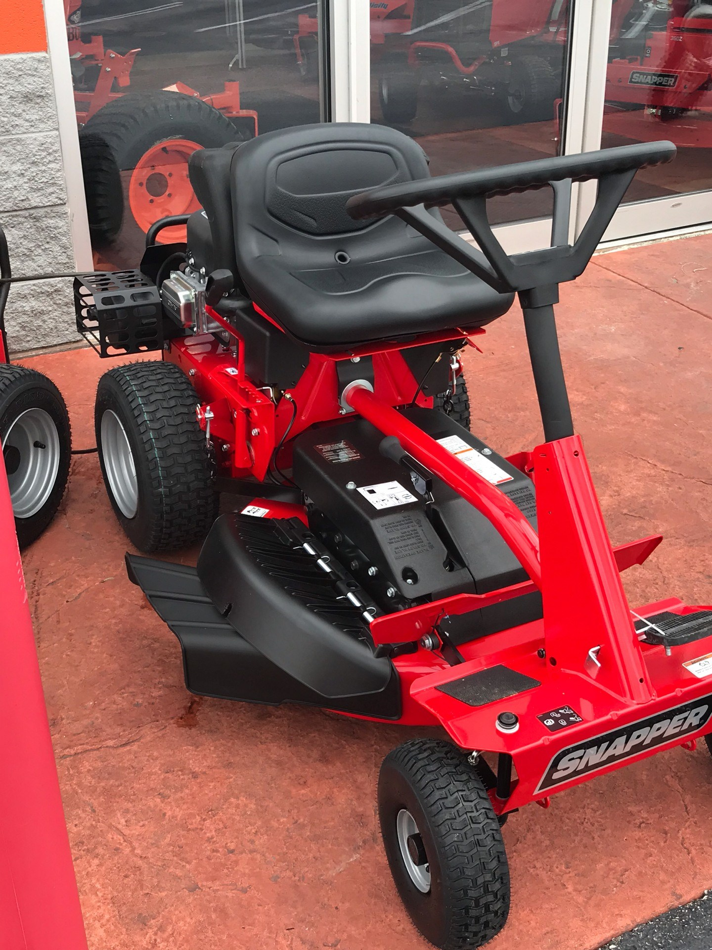 2019 Snapper Classic Rear Engine Riding Lawn Mower in Evansville, Indiana - Photo 3