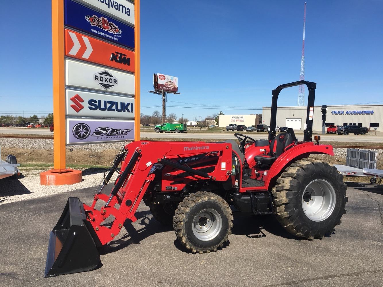 2019 Mahindra 2655 HST OS in Evansville, Indiana - Photo 4