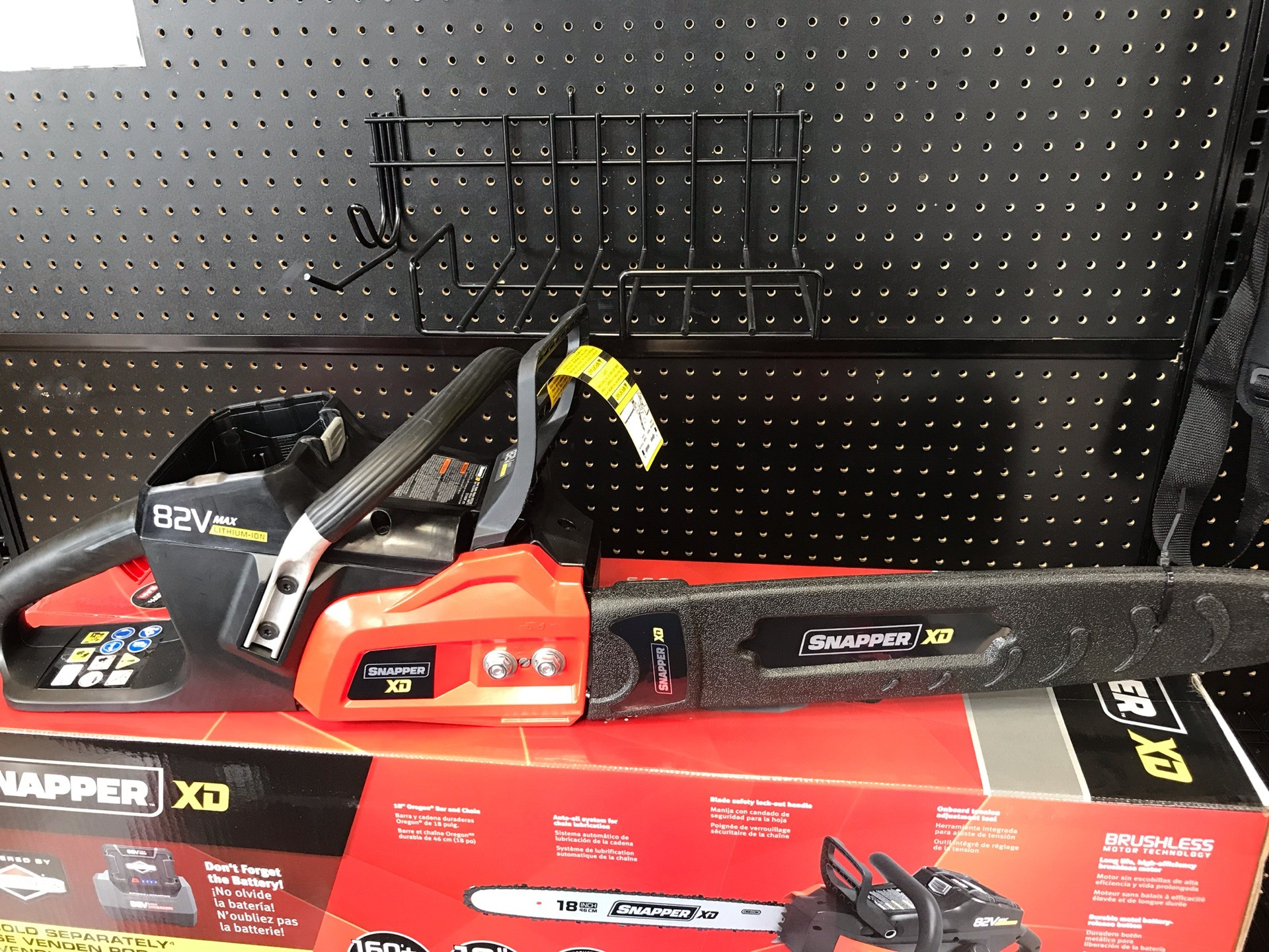 Snapper 82V Max Cordless Chainsaw in Evansville, Indiana - Photo 3