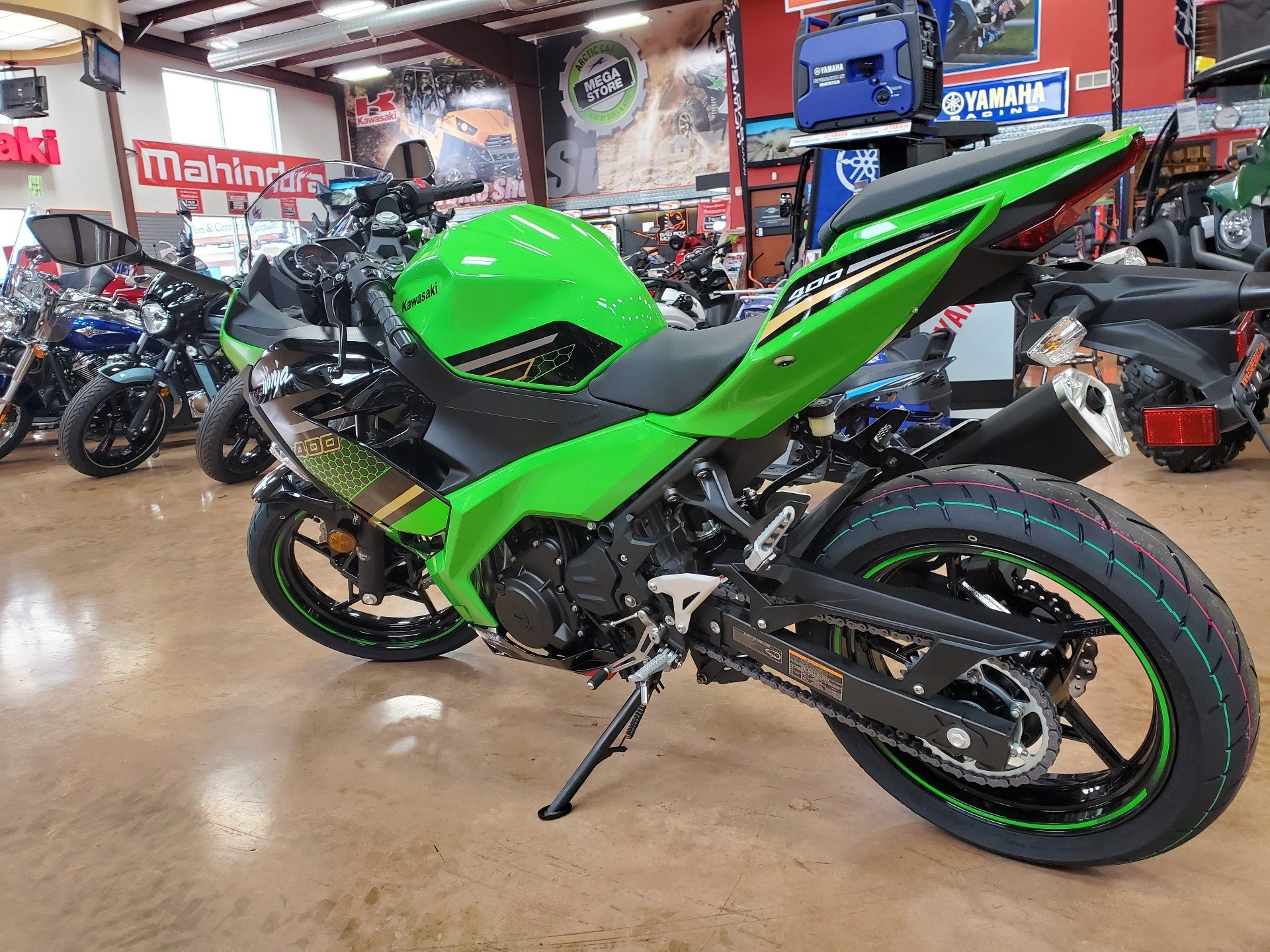 2020 Kawasaki Ninja 400 KRT Edition in Evansville, Indiana - Photo 6
