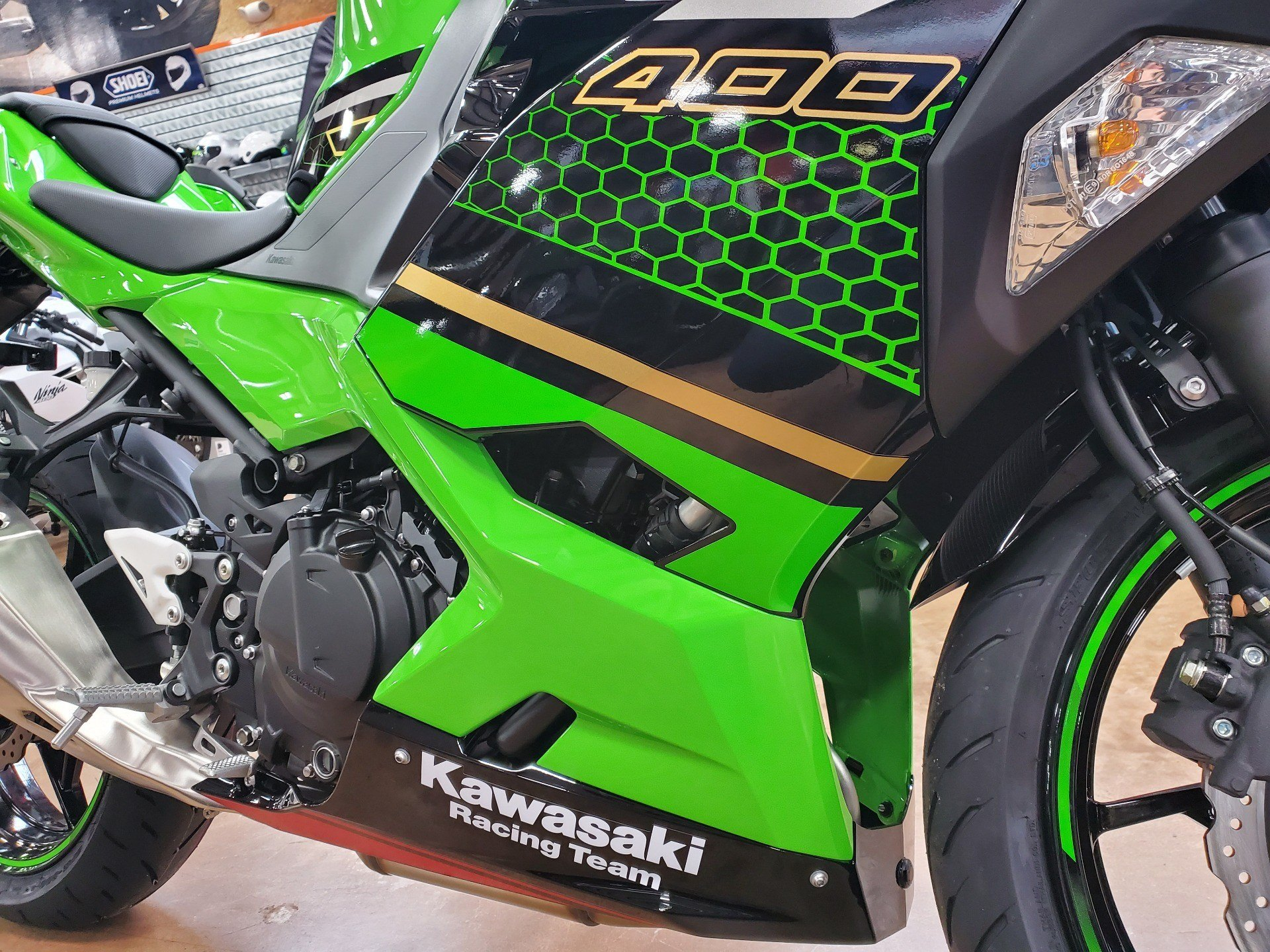2020 Kawasaki Ninja 400 KRT Edition in Evansville, Indiana - Photo 11