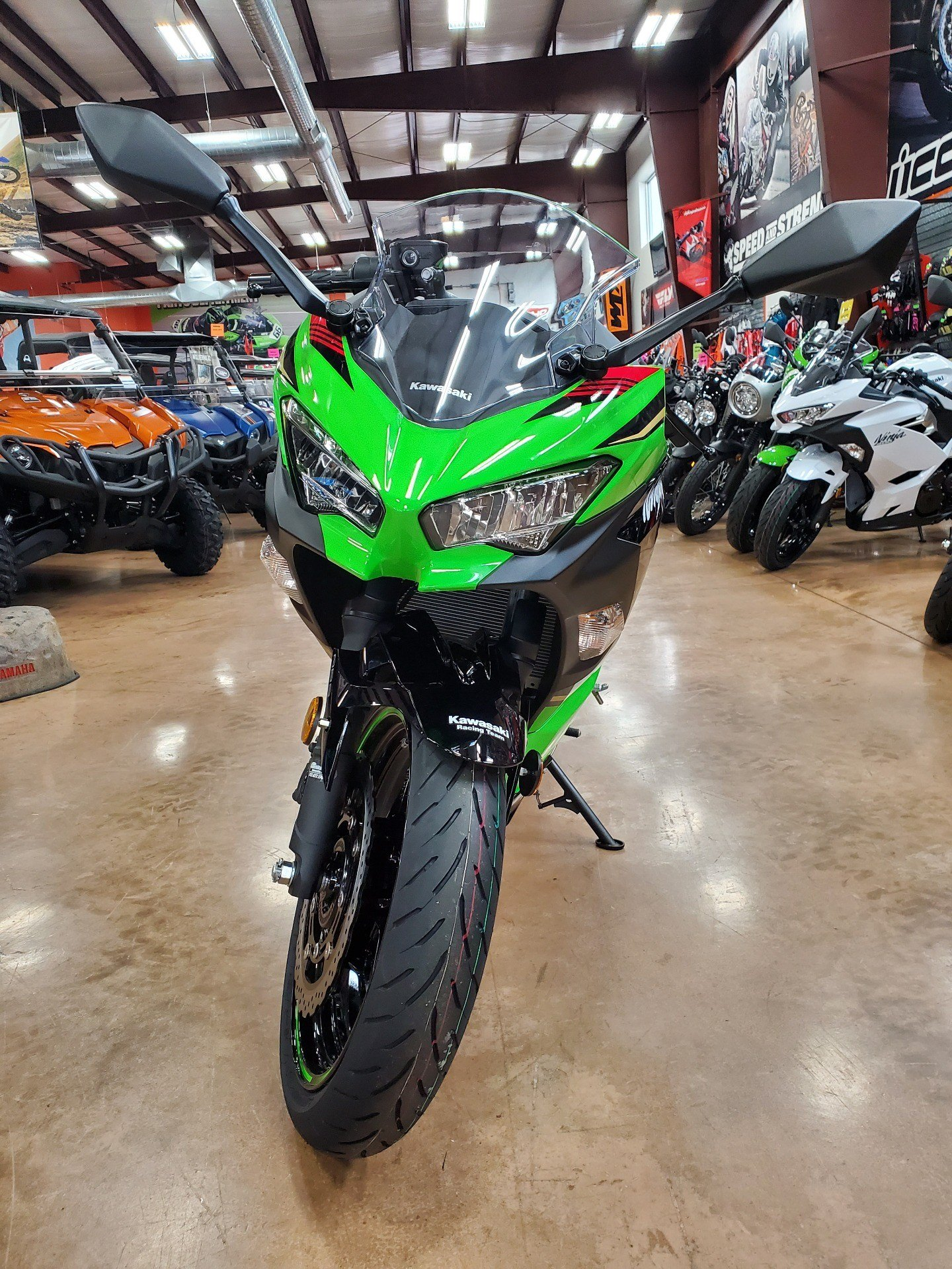 2020 Kawasaki Ninja 400 KRT Edition in Evansville, Indiana - Photo 15