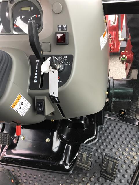 2019 Mahindra 2655 HST Cab in Evansville, Indiana - Photo 32