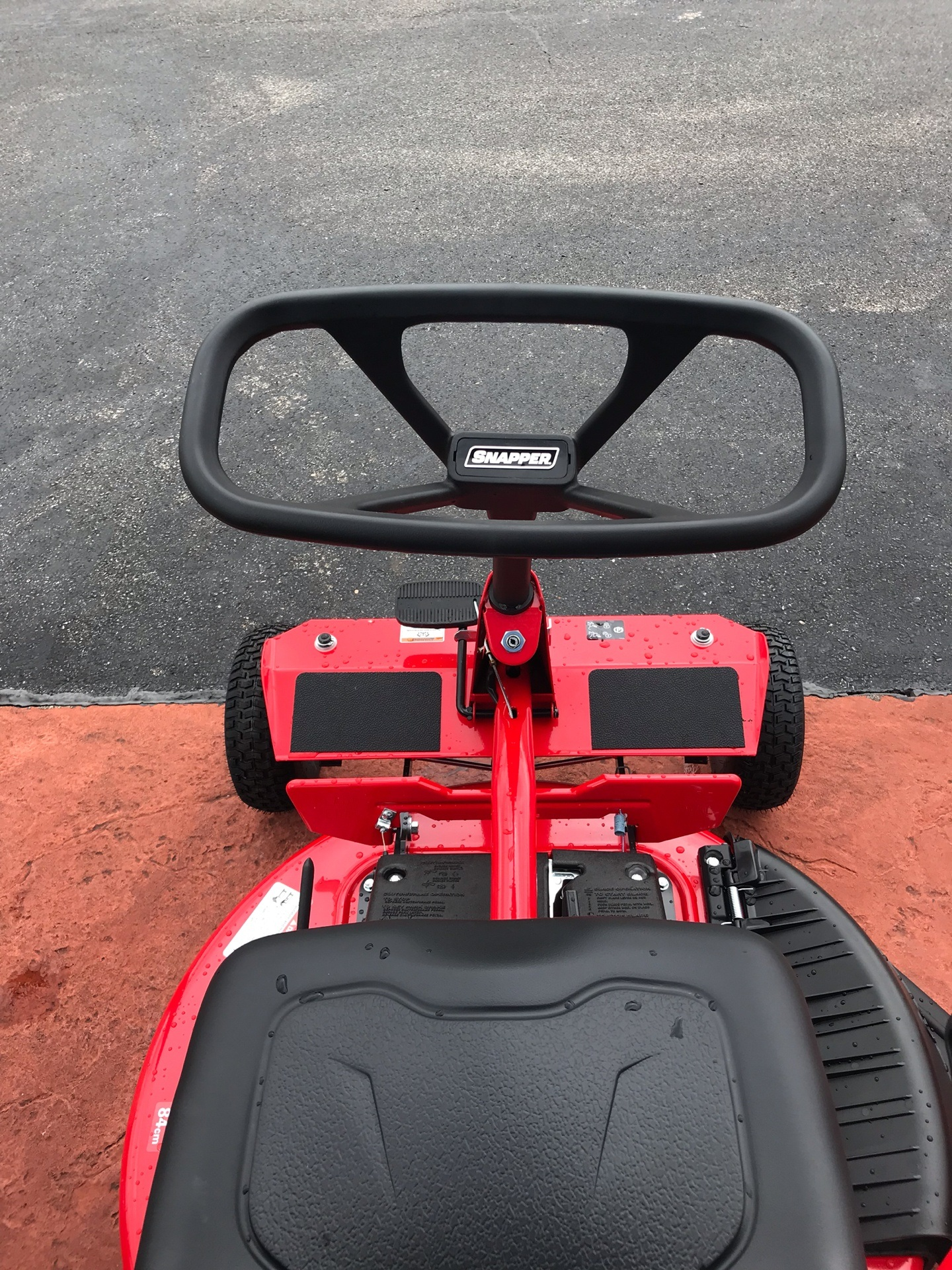 2019 Snapper Classic Rear Engine 33 in. Briggs & Stratton Intek 15.5 hp in Evansville, Indiana - Photo 6