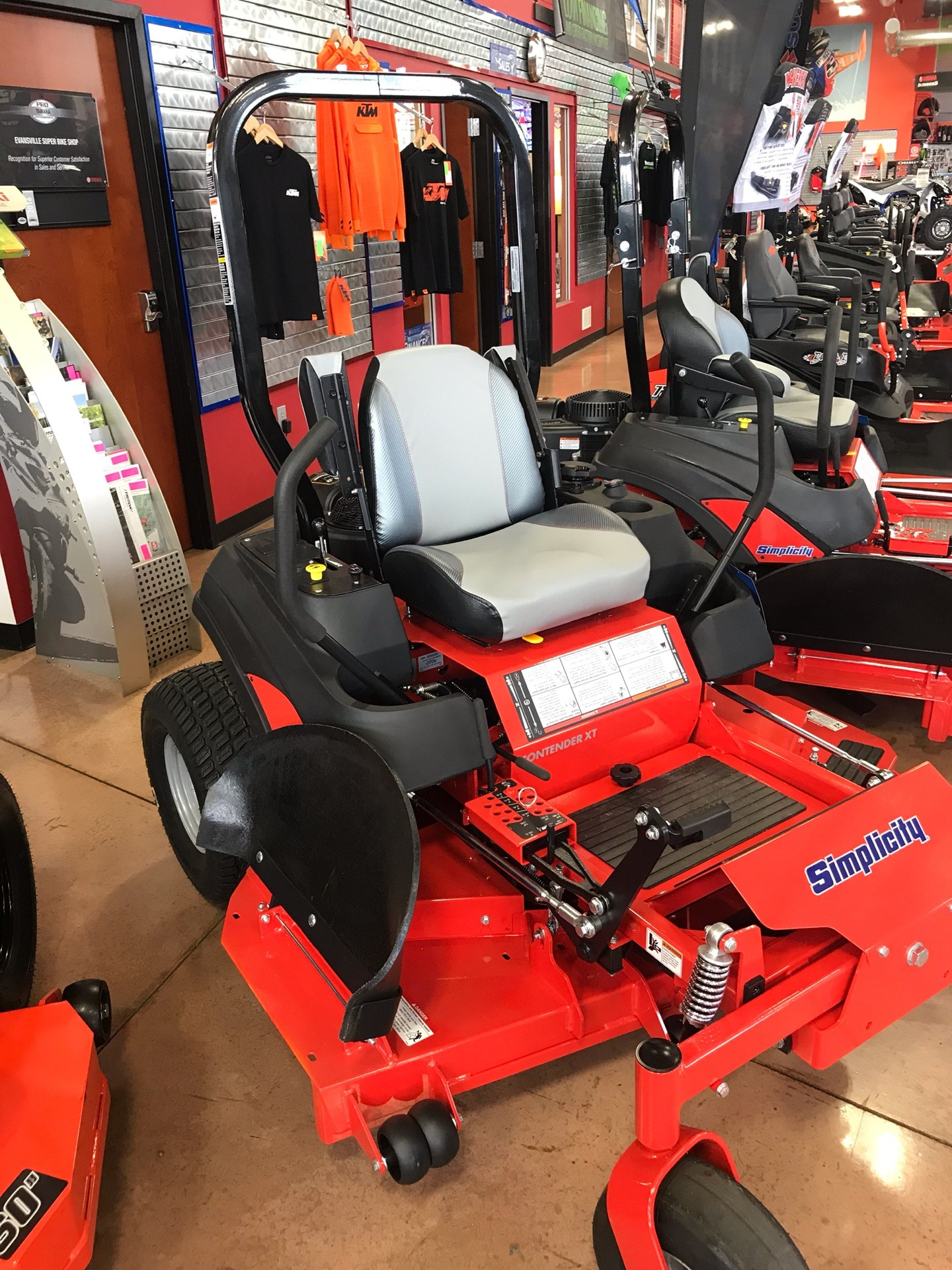 2019 Simplicity Contender 61 in. Briggs & Stratton 25 hp in Evansville, Indiana - Photo 3