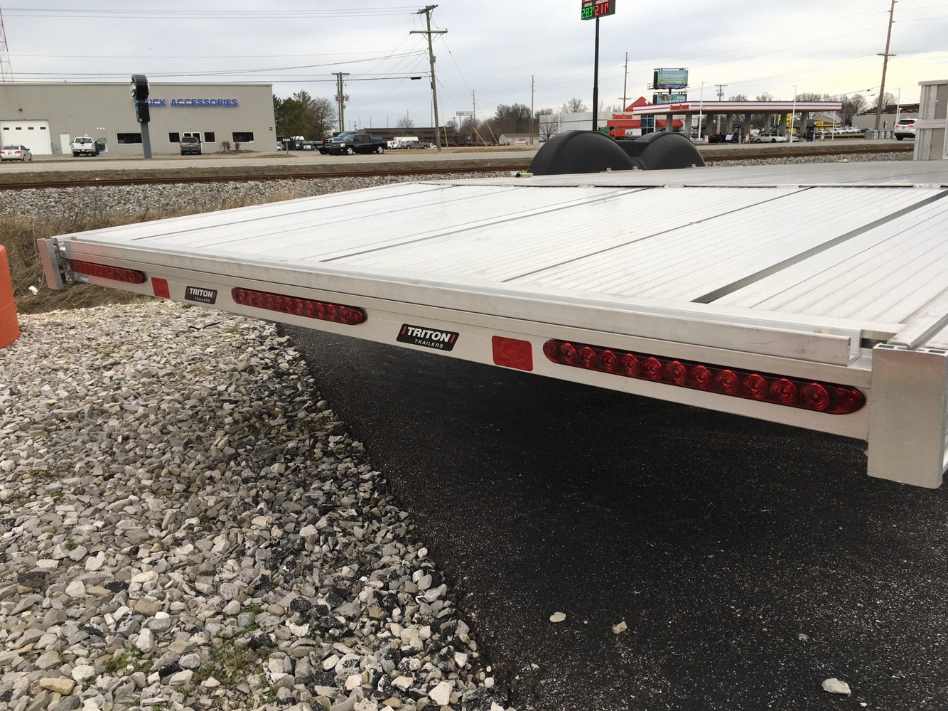 2017 Triton Trailers AUX2282-SPORT in Evansville, Indiana - Photo 19