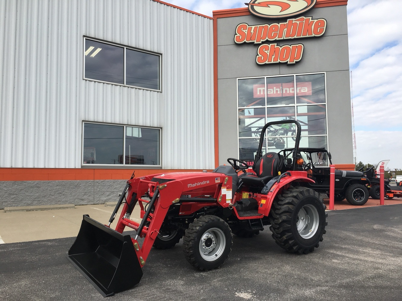 2019 Mahindra 1626 HST OS in Evansville, Indiana - Photo 2