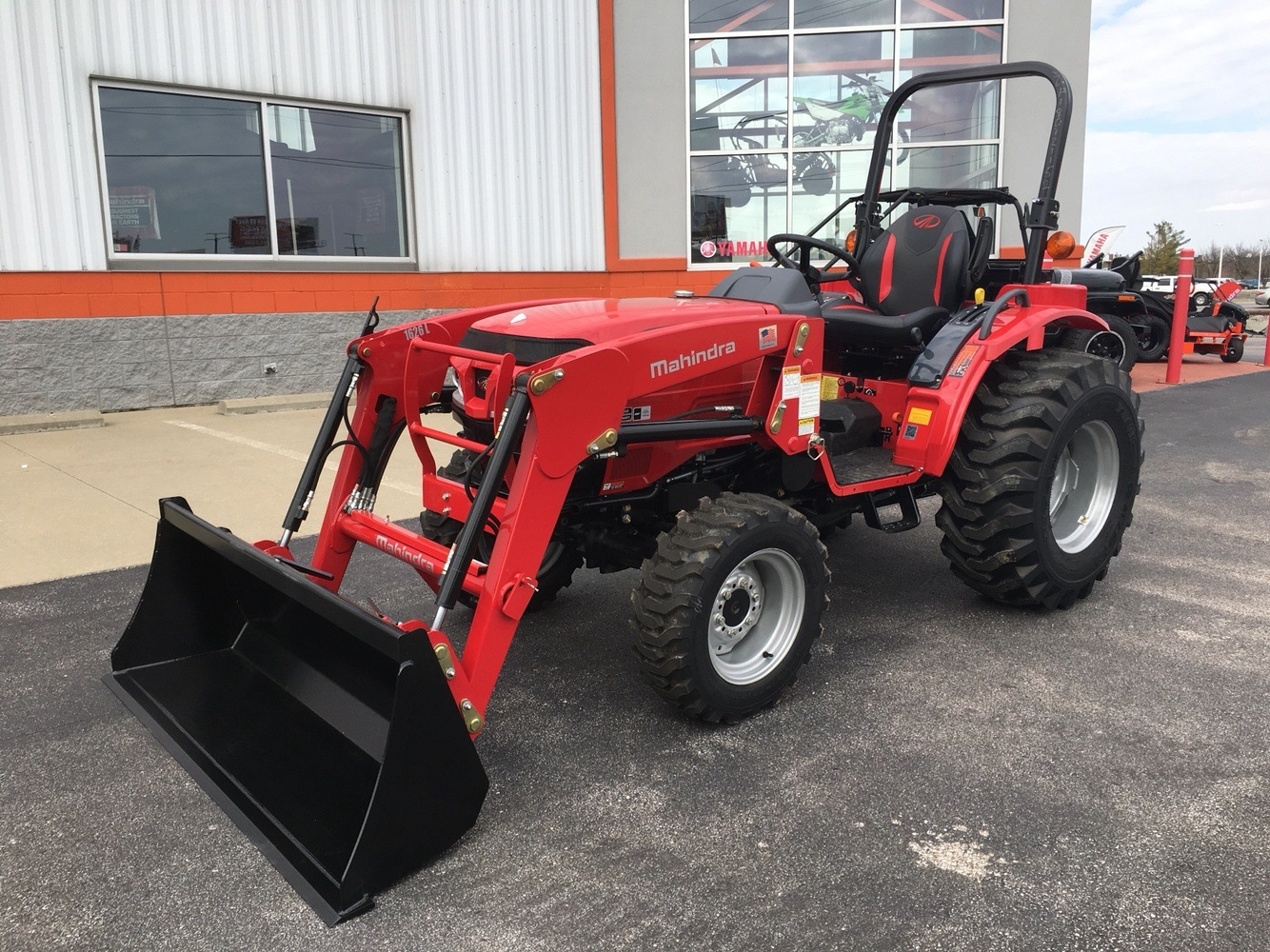 2019 Mahindra 1626 HST OS in Evansville, Indiana - Photo 1