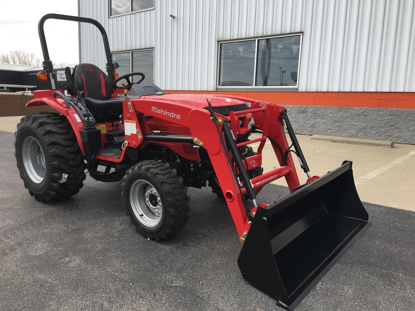 2019 Mahindra 1626 HST OS in Evansville, Indiana - Photo 5