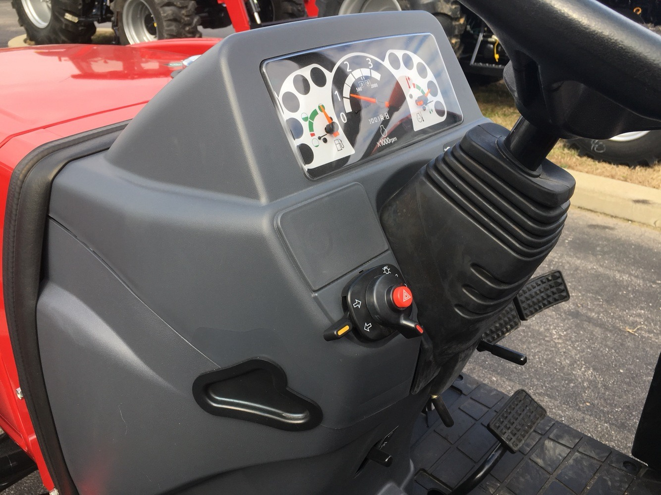 2019 Mahindra 1626 HST OS in Evansville, Indiana - Photo 36