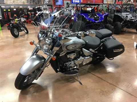2019 Suzuki Boulevard C90T in Evansville, Indiana - Photo 3