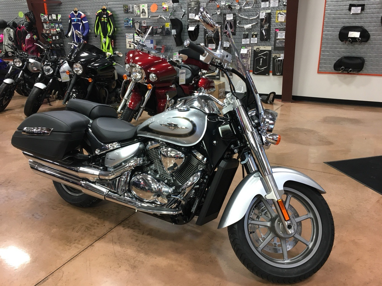 2019 Suzuki Boulevard C90T in Evansville, Indiana - Photo 1