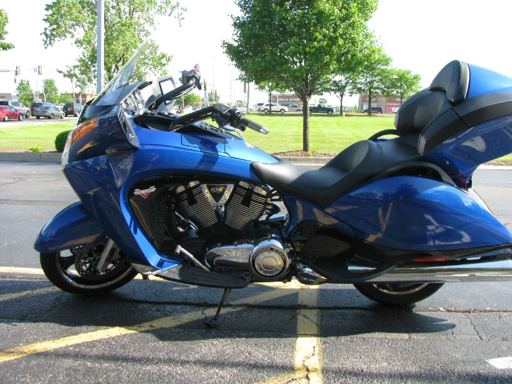 2016 Victory Vision Blue Fire Gloss in Carol Stream, Illinois