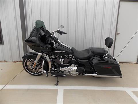 2018 Harley-Davidson Road Glide® in Springtown, Texas - Photo 2