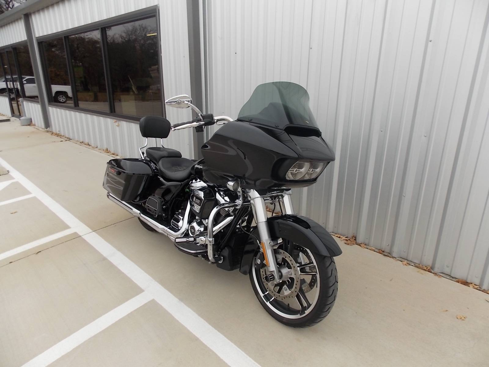 2018 Harley-Davidson Road Glide® in Springtown, Texas - Photo 19