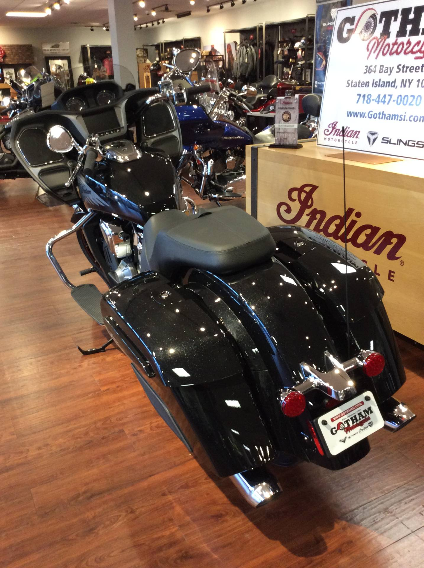 2020 Indian Challenger® Limited in Staten Island, New York - Photo 6