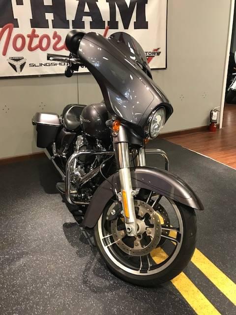 2015 Harley-Davidson Street Glide Special 10