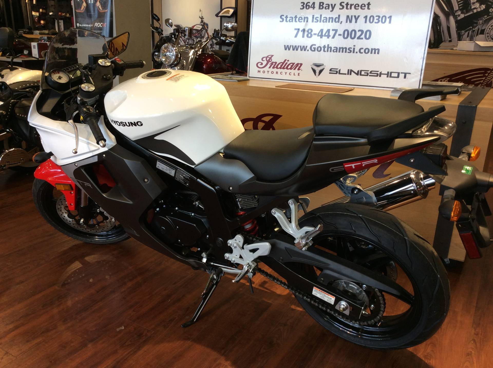 2015 Hyosung GT250R in Staten Island, New York - Photo 9