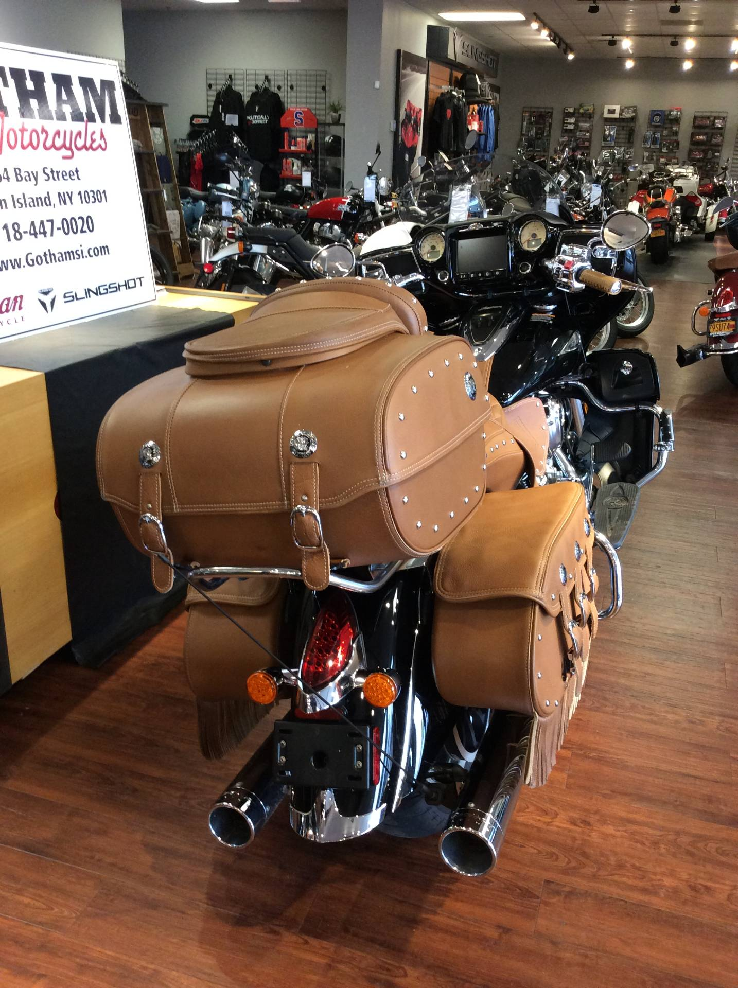 2017 Indian Roadmaster® Classic in Staten Island, New York - Photo 5