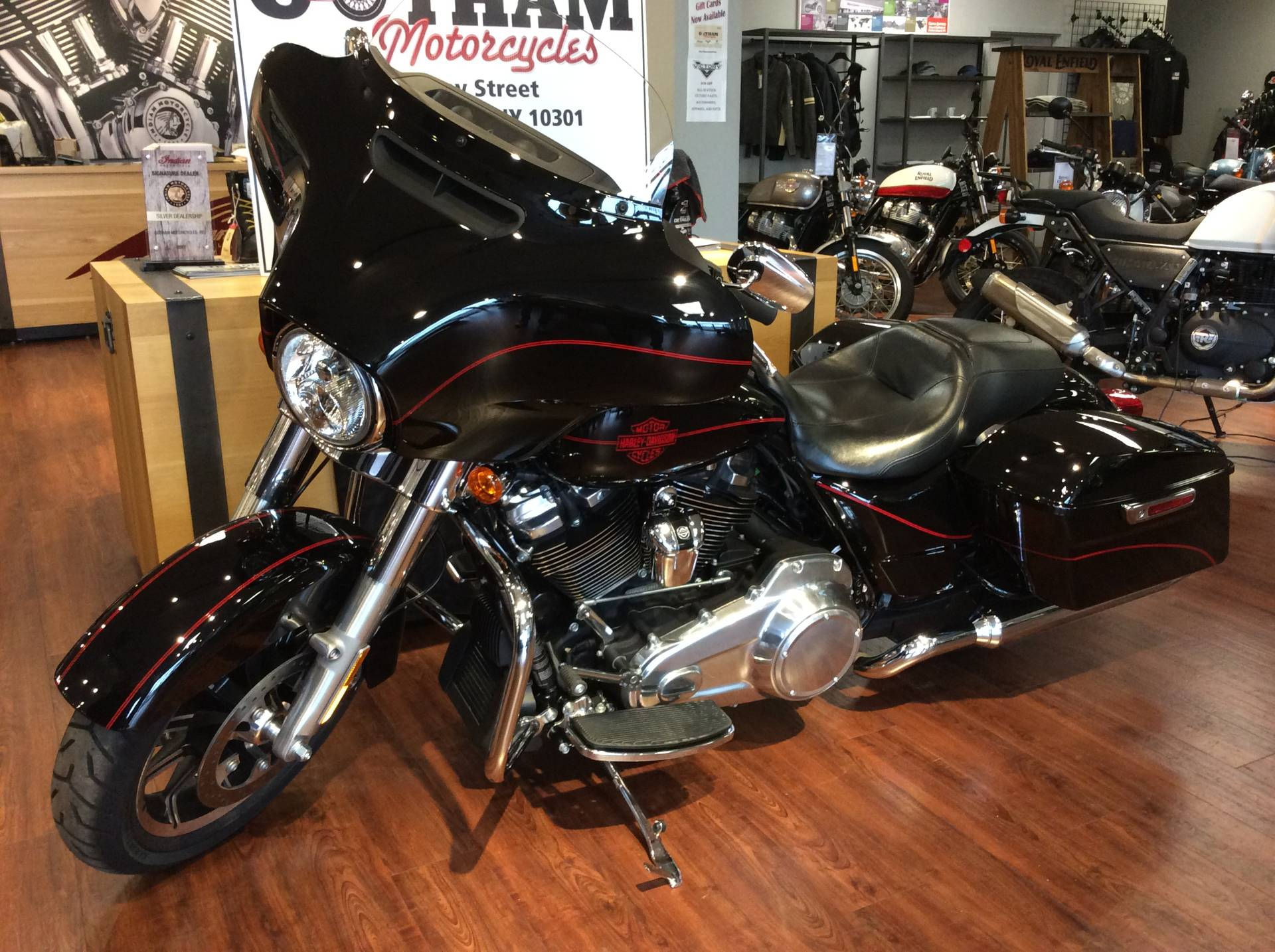 2019 Harley-Davidson Electra Glide® Standard in Staten Island, New York - Photo 8