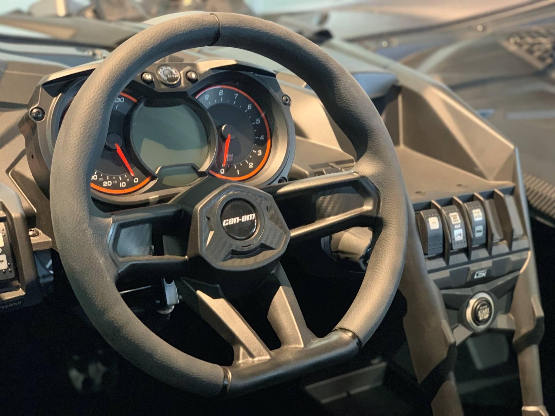 2019 Can-Am� Maverick X3 X ds Turbo R 10