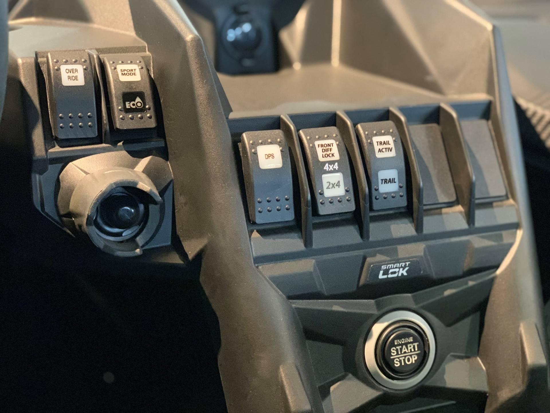 2019 Can-Am� Maverick X3 X ds Turbo R 11