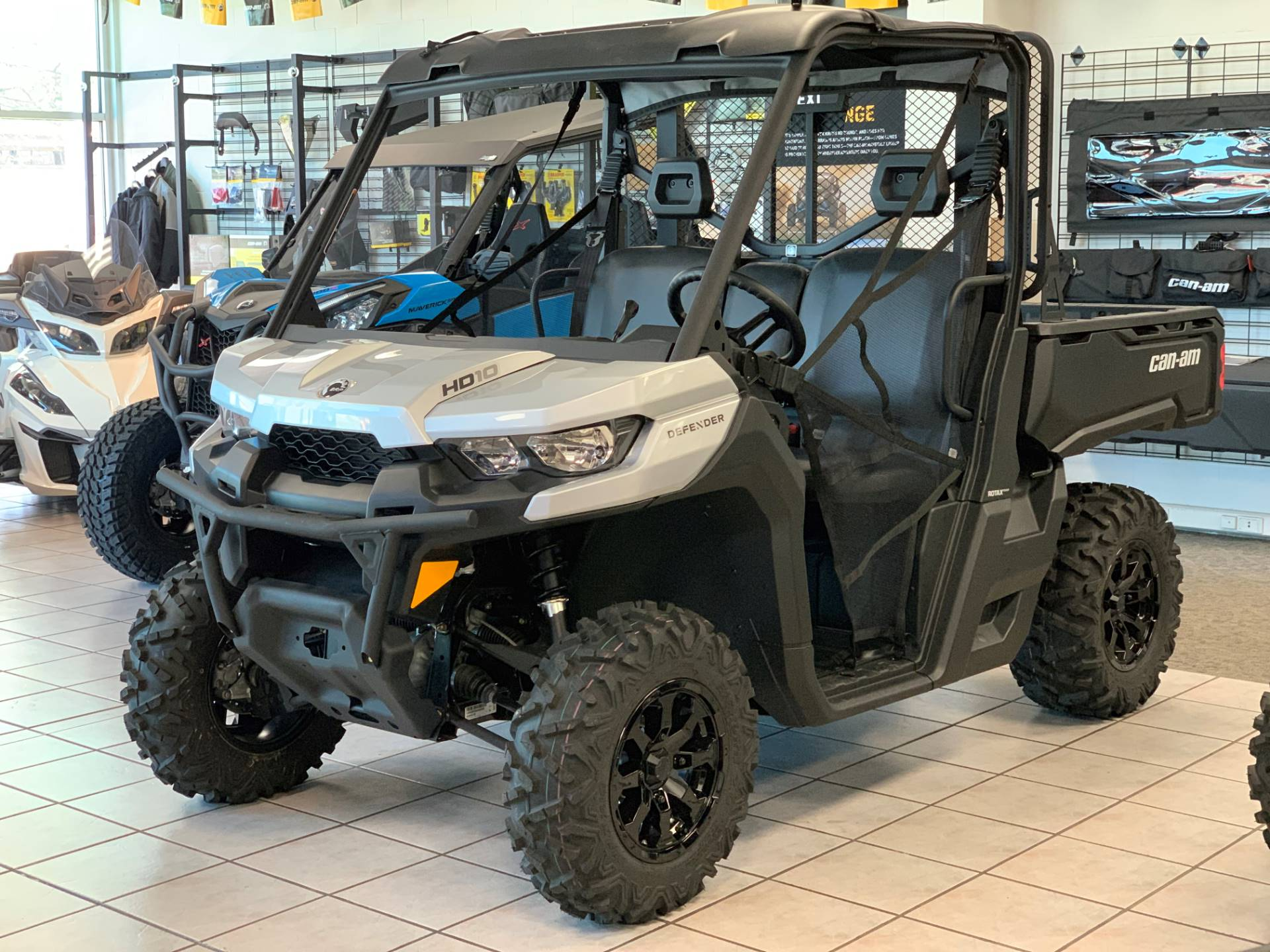 2019 Can-Am Defender DPS HD10 in Eugene, Oregon - Photo 3