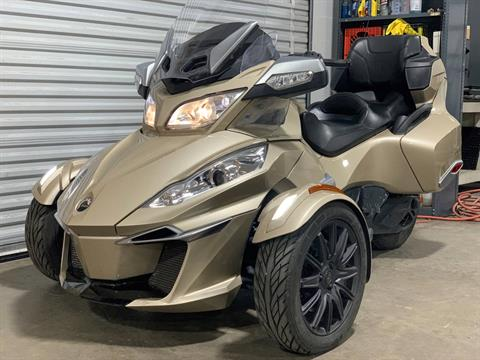 2017 Can-Am Spyder RT-S in Eugene, Oregon - Photo 2