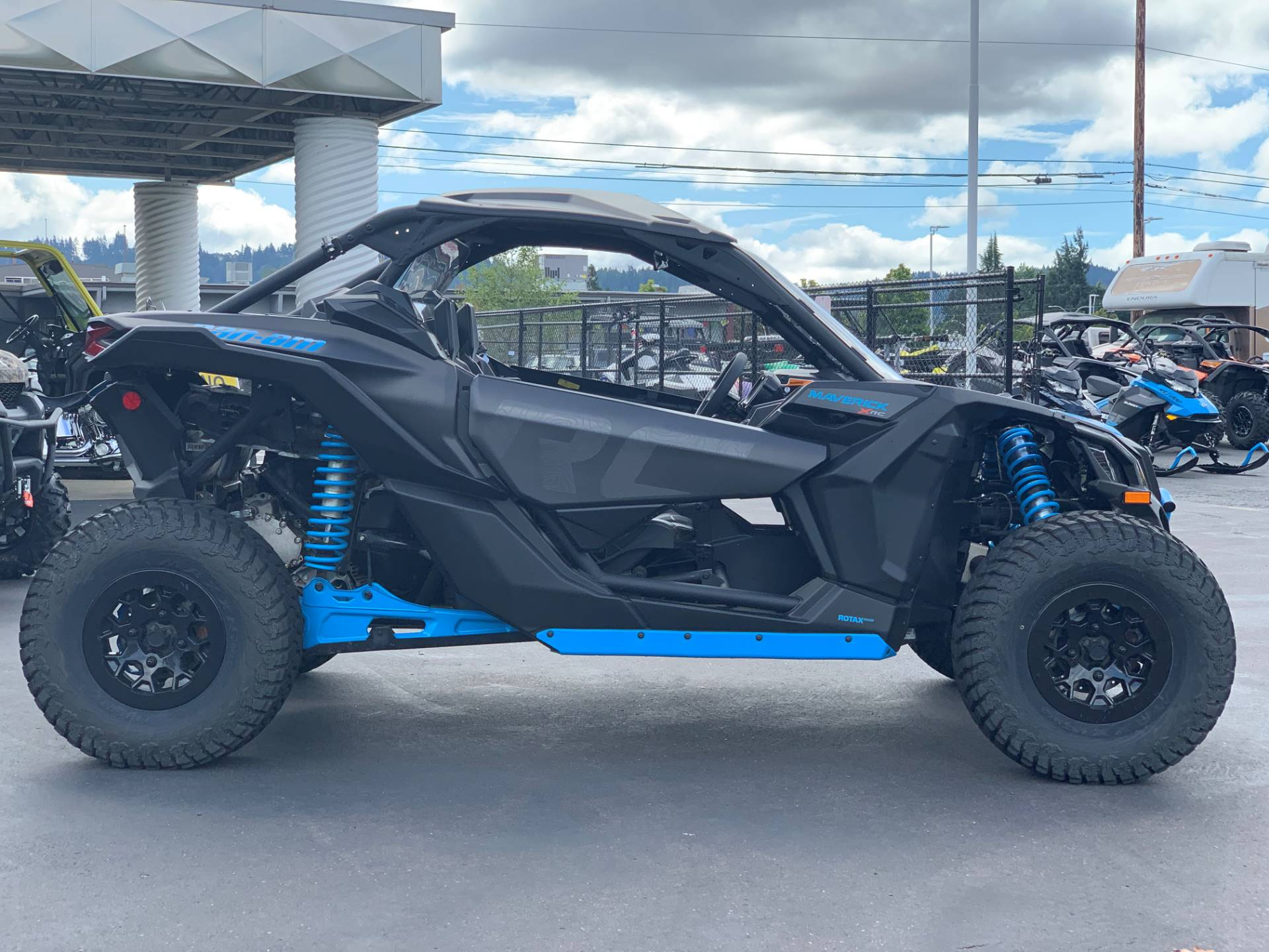 2019 Can-Am Maverick X3 X rc Turbo in Eugene, Oregon - Photo 8