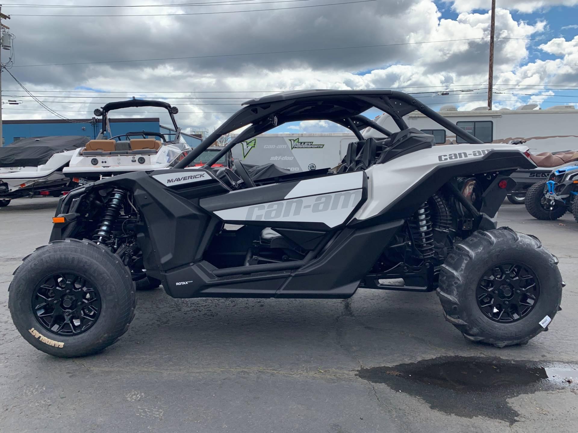2019 Can-Am™ Maverick X3 Turbo R 4