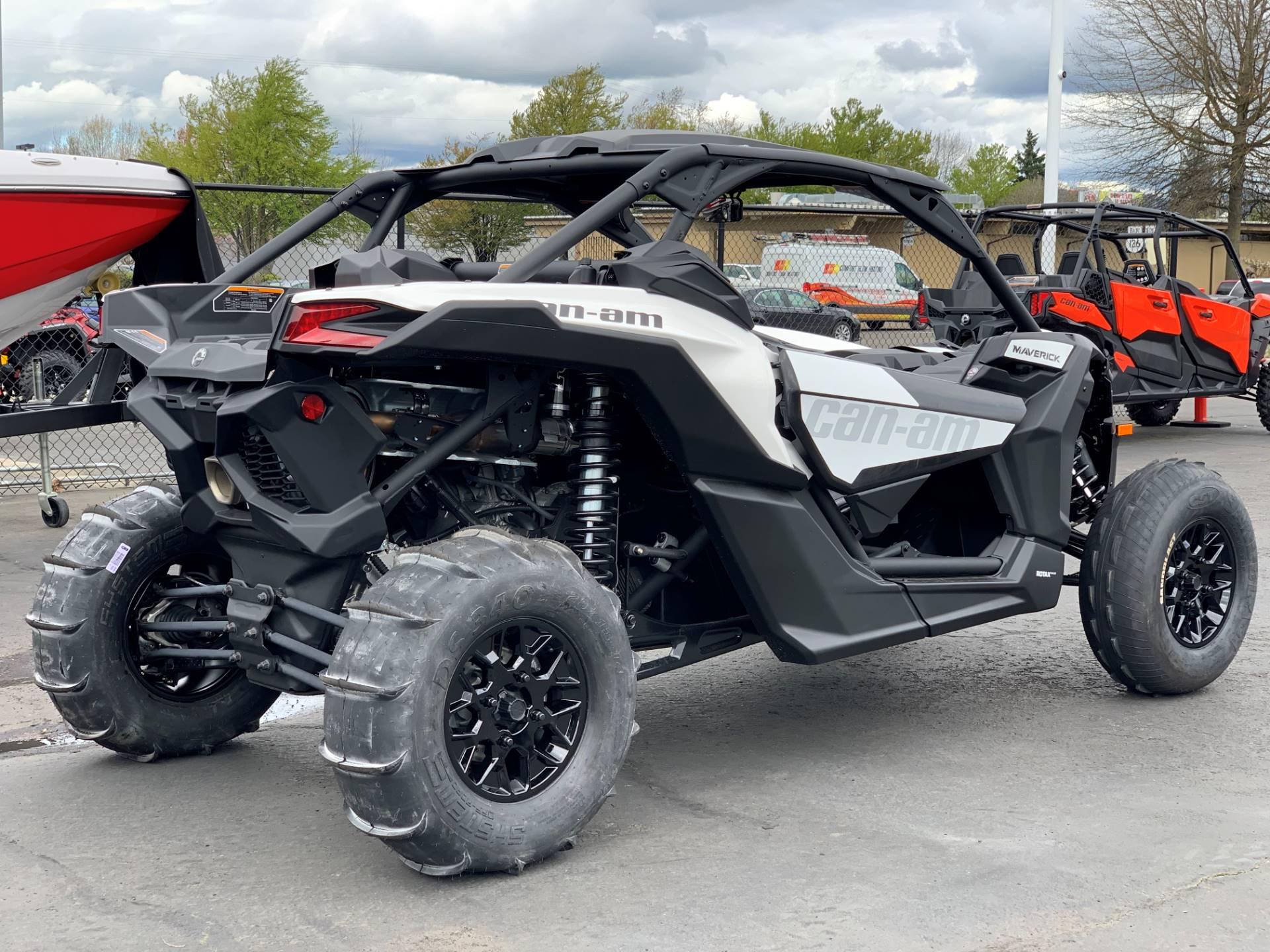 2019 Can-Am™ Maverick X3 Turbo R 7