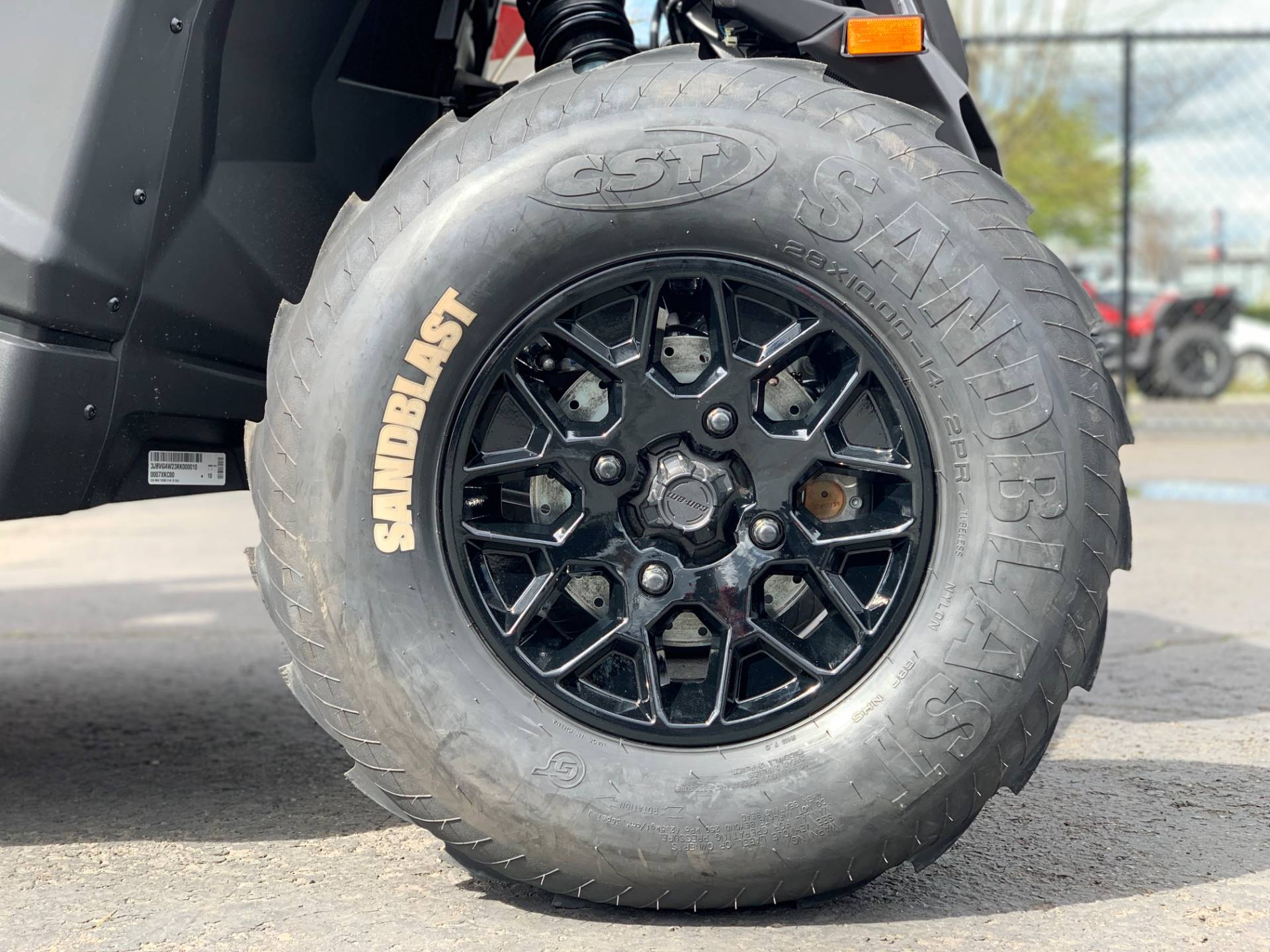 2019 Can-Am™ Maverick X3 Turbo R 11