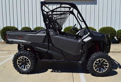 2017 Honda Pioneer 1000 LE in Chattanooga, Tennessee