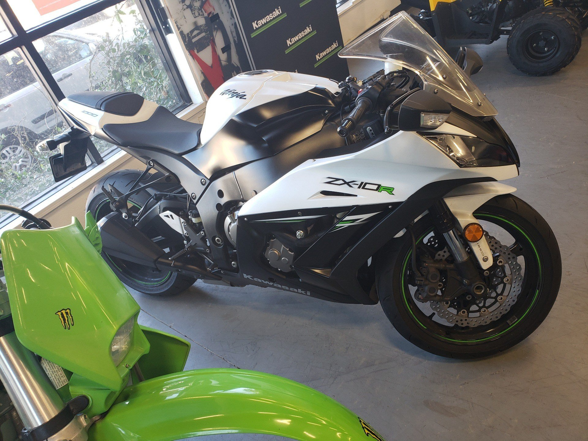 2014 Kawasaki Ninja® ZX™-10R ABS in Vallejo, California - Photo 3