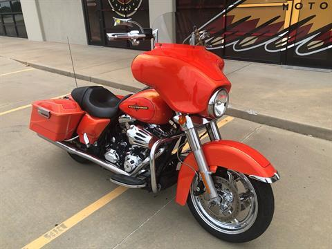 2012 Harley-Davidson Street Glide® in Norman, Oklahoma - Photo 2