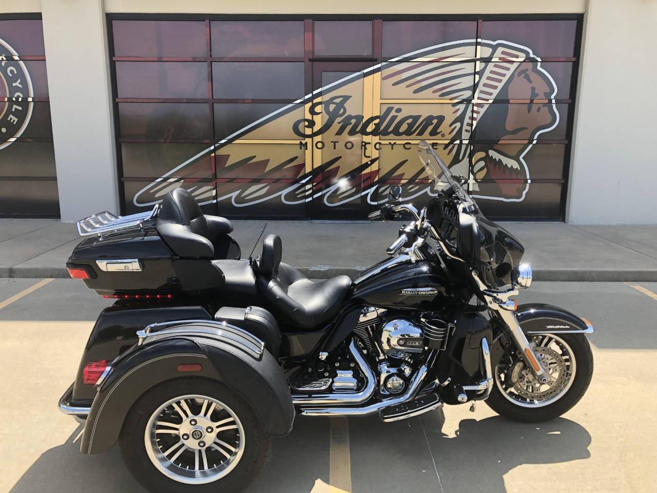 2014 Harley-Davidson Tri Glide® Ultra in Norman, Oklahoma - Photo 1