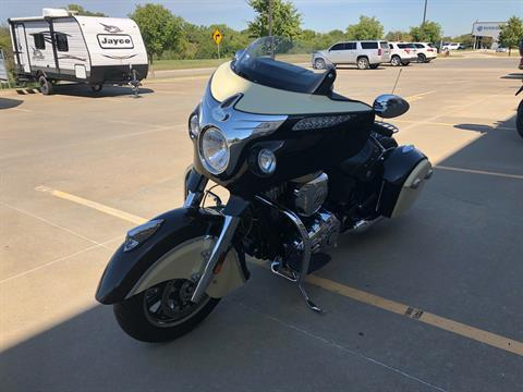 2019 Indian Chieftain® Classic ABS in Norman, Oklahoma - Photo 4